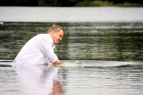 Thorsten Lehr tauft
