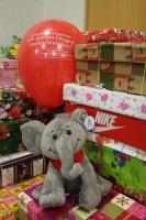 Geschenke mit Aktions-Ballon