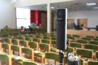 Blick des Pastors auf die Kamera
